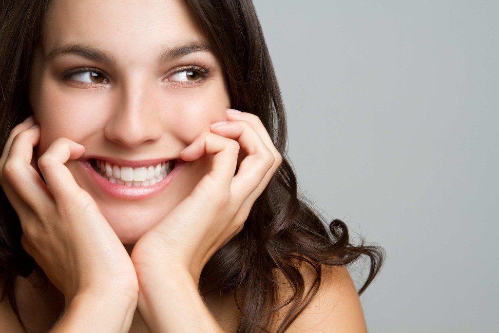 smile-woman-1-1024x683