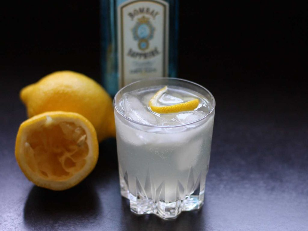 Tom Collins drink